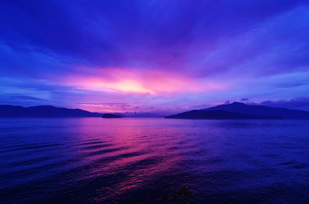 曇り空の夕焼け