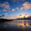 写真: 空と雲と波と