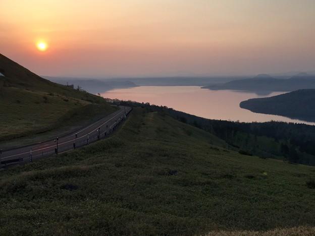 写真: 美幌峠の朝焼け