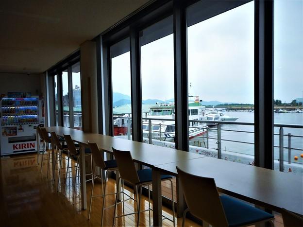 新装オープンした旅客船ターミナルからの眺め@笠岡諸島@三洋汽船