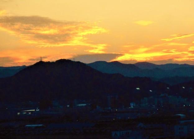中秋の糸崎の丘の夕暮れ