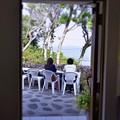海辺近くの小高い丘のカフェ・・ドアを開けたらそこは