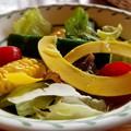 写真: お皿の中は野菜カーニバル