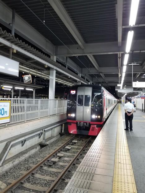 最終列車がやってきた。