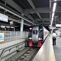 写真: 最終列車がやってきた。
