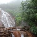 Photos: 滝に沿って進みます