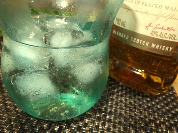 写真: 川越ブルームーンのグラス