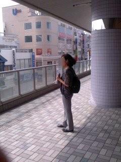 頼もしい応援(7月1日、大船駅)