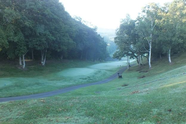 早朝のゴルフ場 F0479