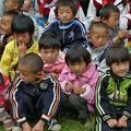 写真: ナシ族の子ども達