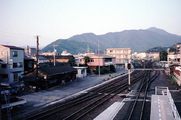 JR宇和島駅構内(松山・江川崎側,JR予讃線・予土線,1998/10/4)(s111-11)
