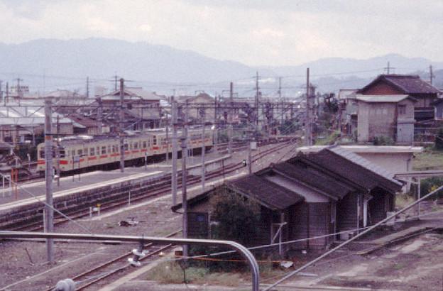 詰所(五条機関支区跡,JR和歌山線五条駅,1998/10/8)(s113-12a)