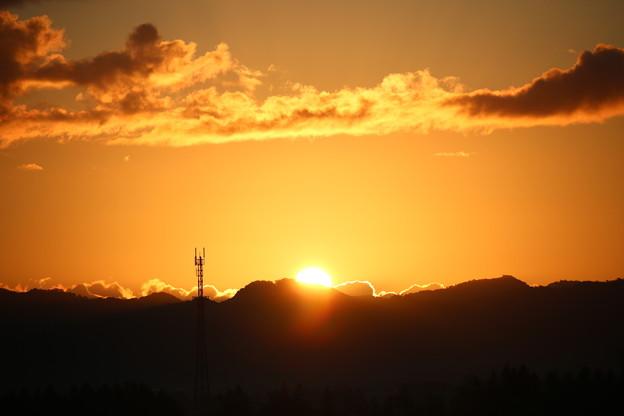 写真: 北海道夕張郡 由仁町の日の出