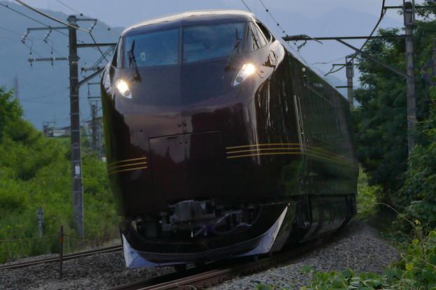 E655系と甲斐駒ヶ岳4Kフォト