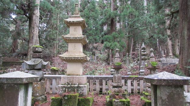 高野山金剛峯寺 奥の院(高野町)高麗陣敵味方戦死者供養碑