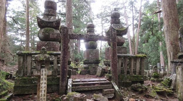 高野山金剛峯寺 奥の院(高野町)豊後岡中川家墓所
