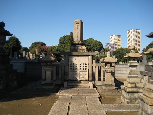 Photos: 谷中霊園(台東区)津山藩8代松平斉民墓