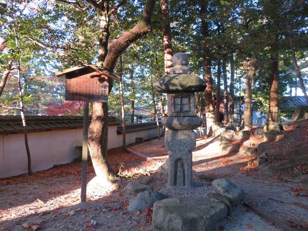 建部大社(大津市)キリシタン燈籠