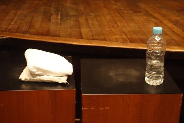 コトリンゴさんライブ 水とタオル