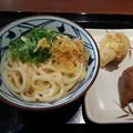 Photos: 丸亀製麺 釜玉うどん えび天 いなり