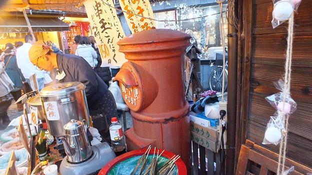 川越 菓子屋横丁丸ポスト 2014年正月