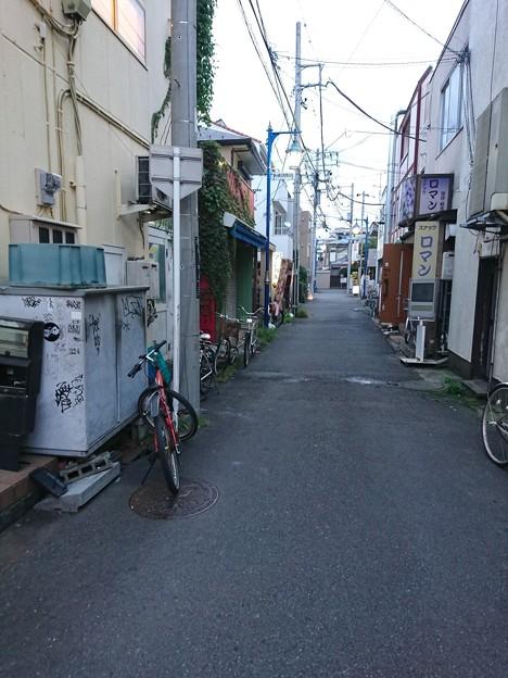写真: 茅ヶ崎 路地裏