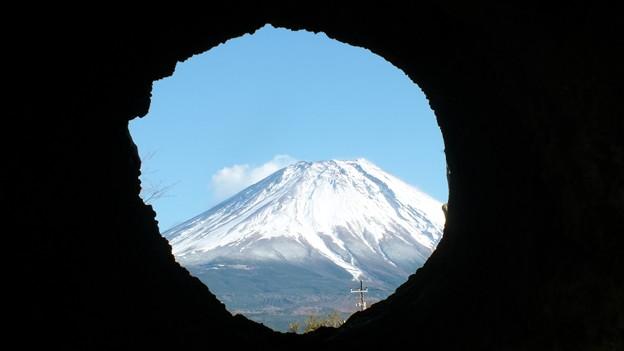 溶岩樹型より望む? 富士山