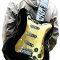 写真: ギター型ショルダーバッグ17
