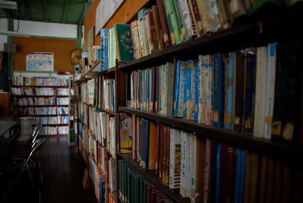 旧木沢小学校・図書室
