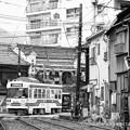 写真: モノクロが似合う町。