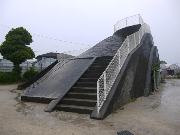 下原口公園の掩体壕(1)