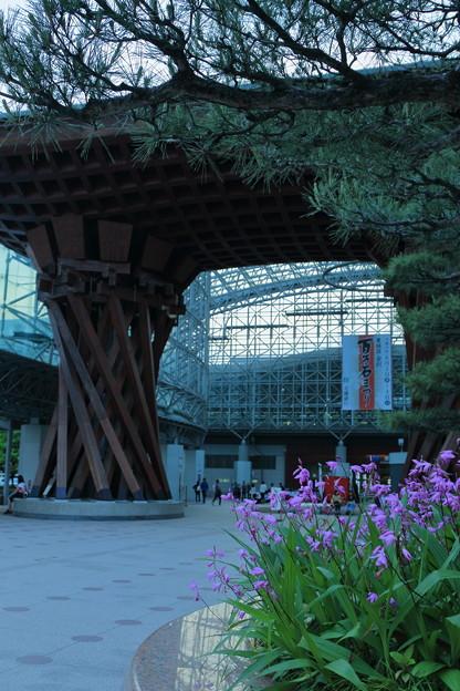 夕暮れの金沢駅(1)