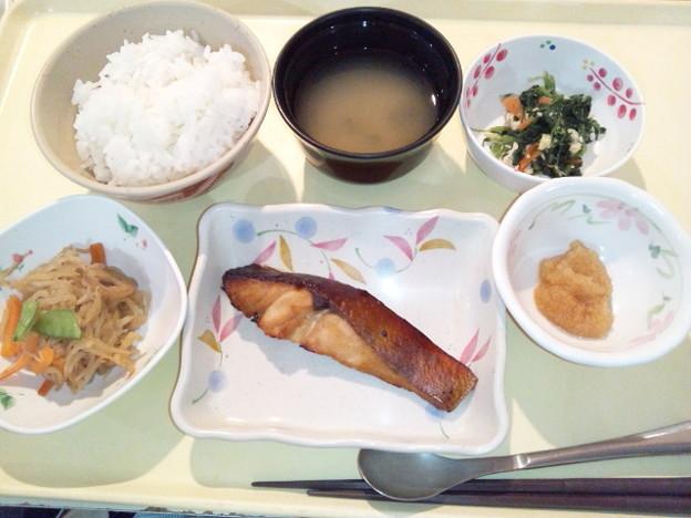 11月18日夕食(めだいの山椒焼き) #病院食