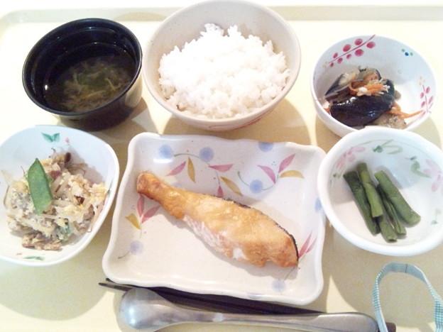 1月16日夕食(鮭の味噌焼き) #病院食