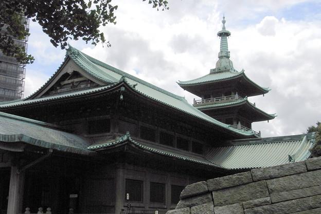 横網町公園慰霊塔