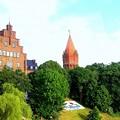 もうすぐマルボルク城だよ、と先触れのような塔が見える
