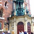 大聖堂も全面に門が出ている,