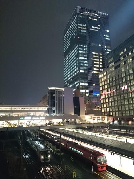 写真: 新宿駅