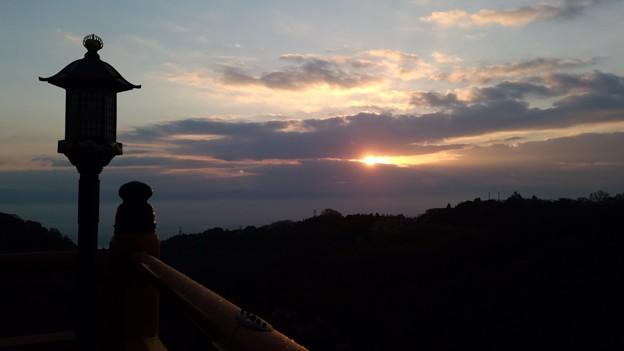 写真: 信貴山の朝