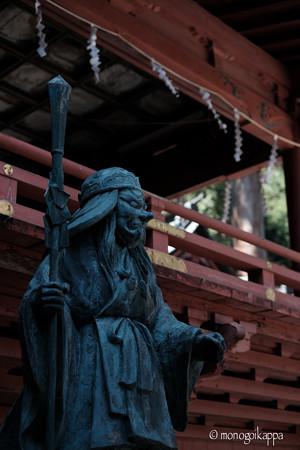 榛名神社_天狗と神楽殿-4059