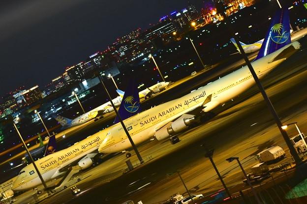 サウジアラビア王国政府専用機B747-400とB747-SP