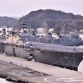 真新しいヘリコプター搭載護衛艦かが。。週末横須賀 20170325