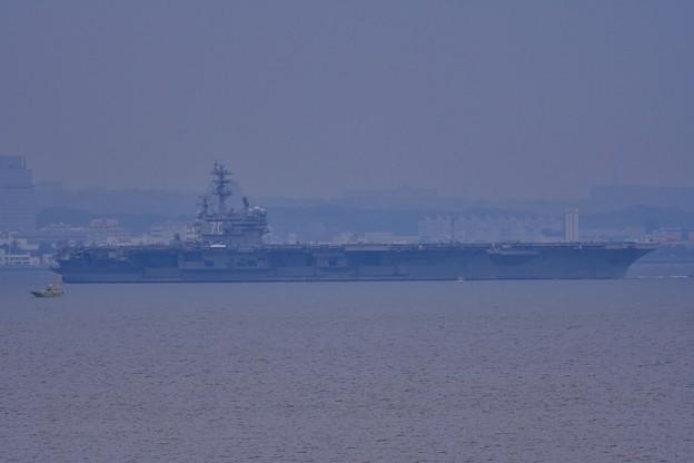 撮って出し。。遠くの横須賀基地から米海軍原子力空母ロナルドレーガン出港へ 5月16日