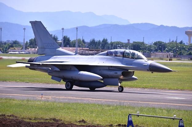 Photos: ある日の横田基地。。やっと出て来た韓国空軍KF-16 アラスカへ 20170603
