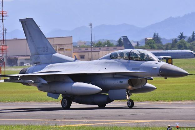 ある日の横田基地。。2機目のKF-16 タキシング 20170603