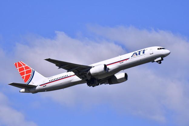 横田基地の定期便ATIのB757-200 上がり 20170605