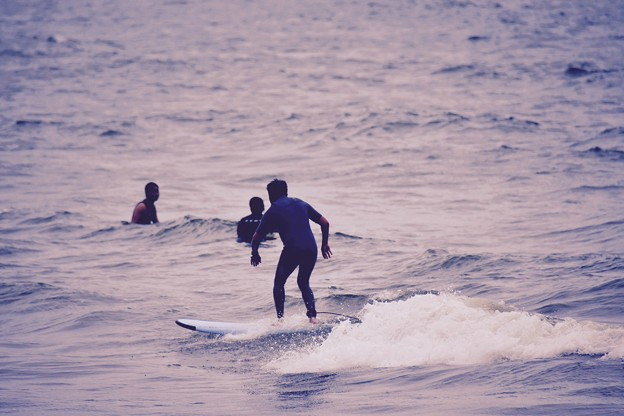 由比ヶ浜の風景。。サーフィンする人。。20170625