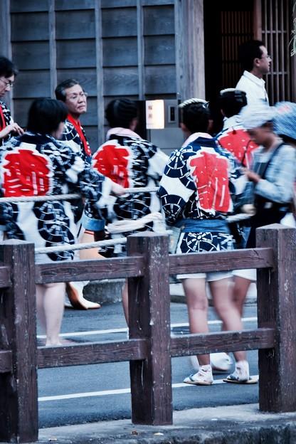 夕暮れの佐原の大祭夏祭り。。法被着ている粋な女子(^^) 20170716