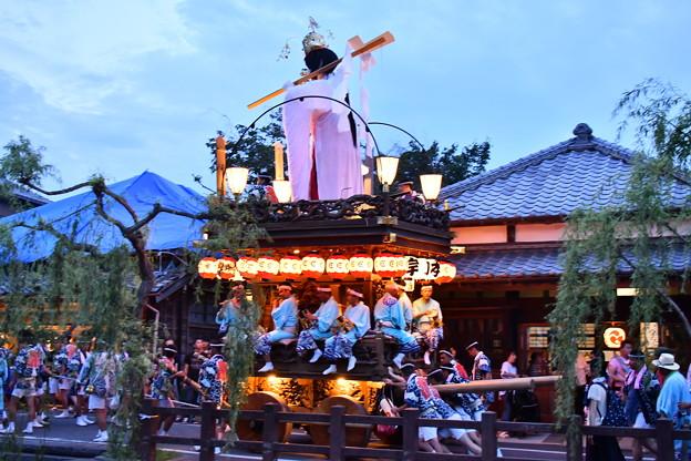 佐原の大祭クライマックスの夜の山車運行へ 20170716
