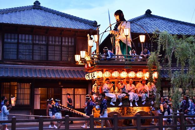 お囃子が聞こえてくる佐原の大祭夏祭り夜の運行開始へ20170716